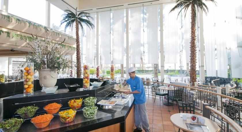חדר אוכל מלון דיוויד ריזורט וספא