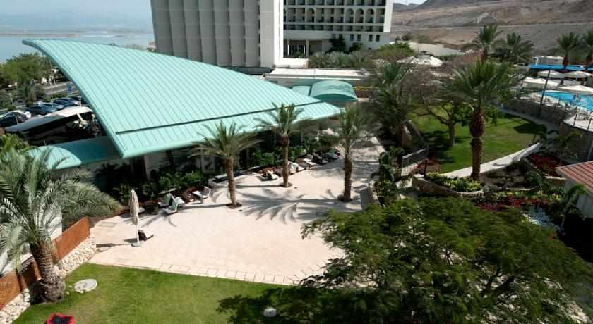 מלון אואזיס ים המלח מלמעלה