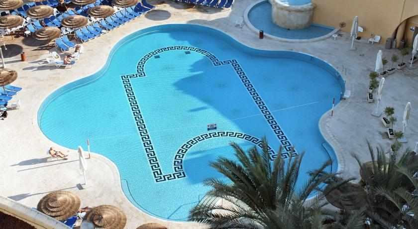 בריכת שחייה מלון דניאל