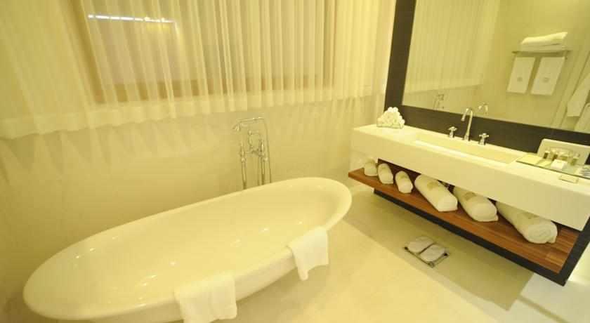 אמבטיה הוד המדבר