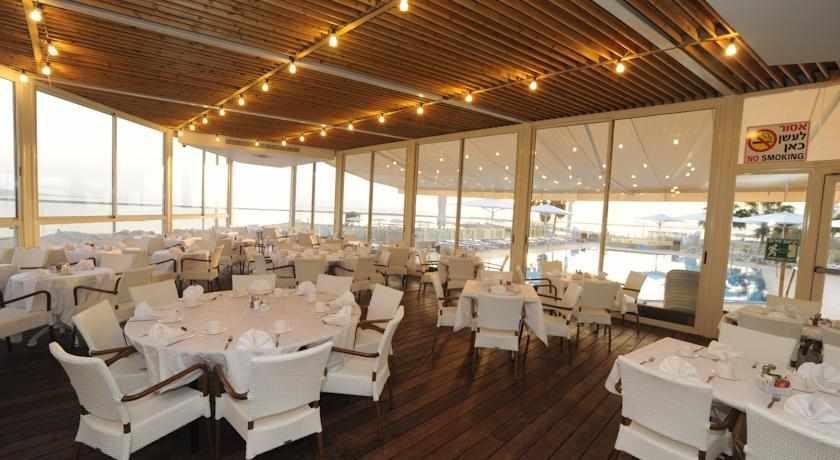 חדר אוכל מלון הוד המדבר