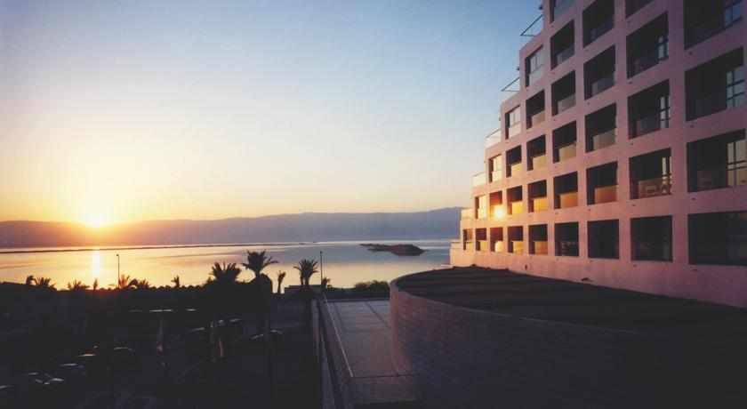 מלון ישרוטל ים המלח זריחה