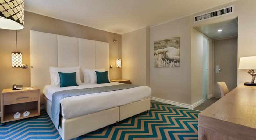 חדר זוגי מלון אואזיס ים המלח