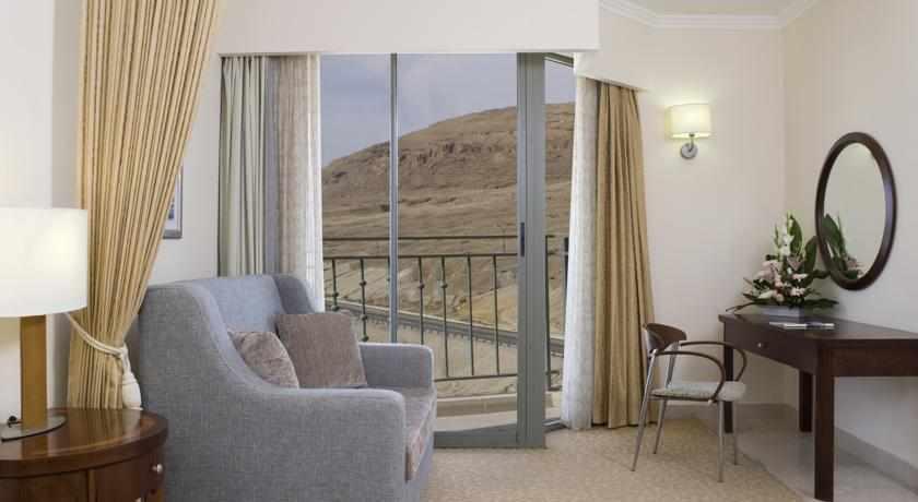 חדר נוף להרים מלון רויאל