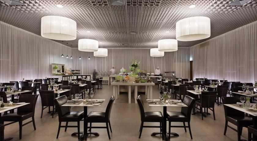 חדר אוכל מלון ספא קלאב